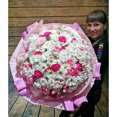 """Букет эффекта """"WOW"""" из ромашек, садовой розы и диантуса"""