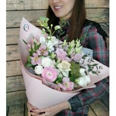 Романтический букет из нежных цветов